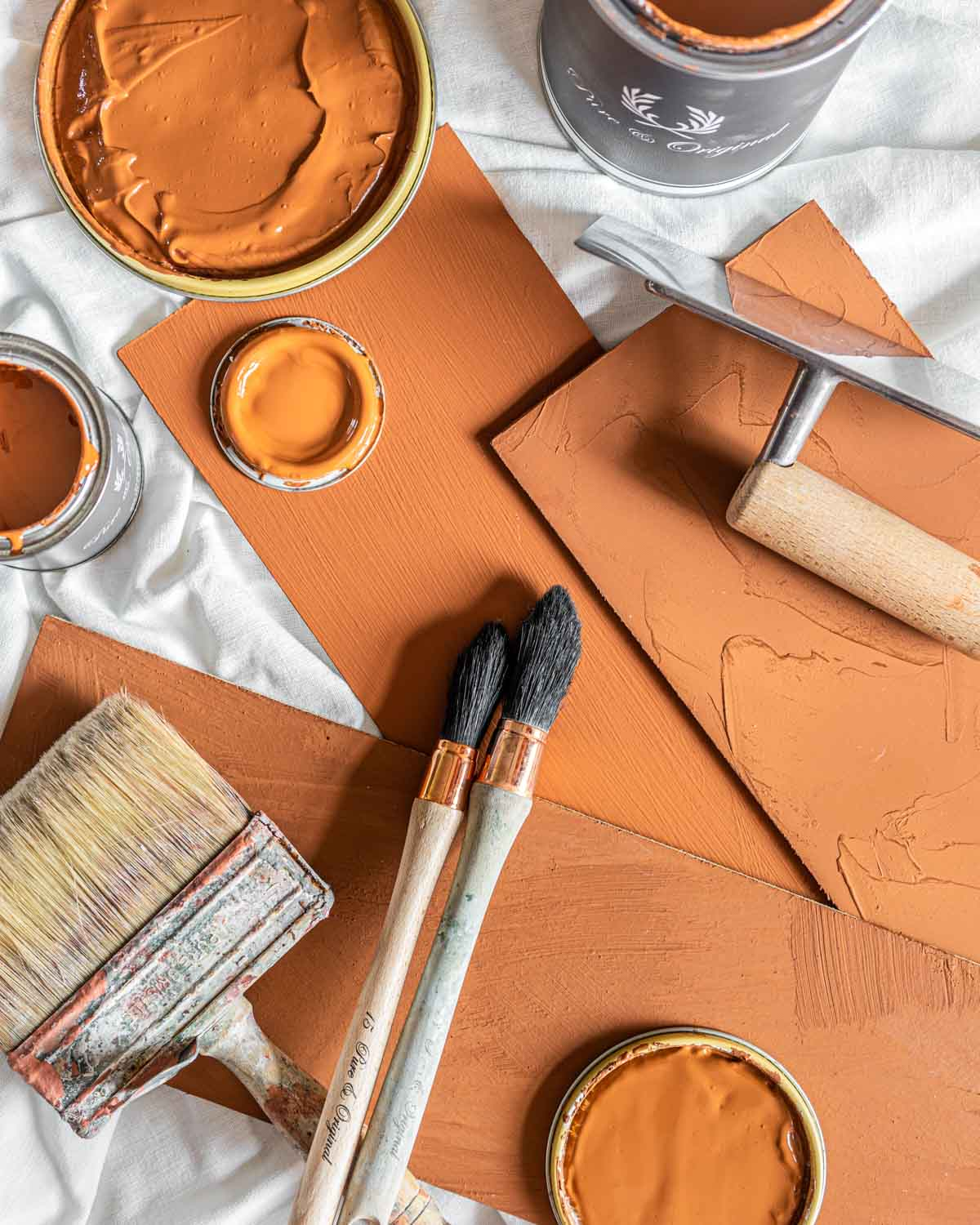 What is the difference between lime paint, chalk paint and concrete look paint?