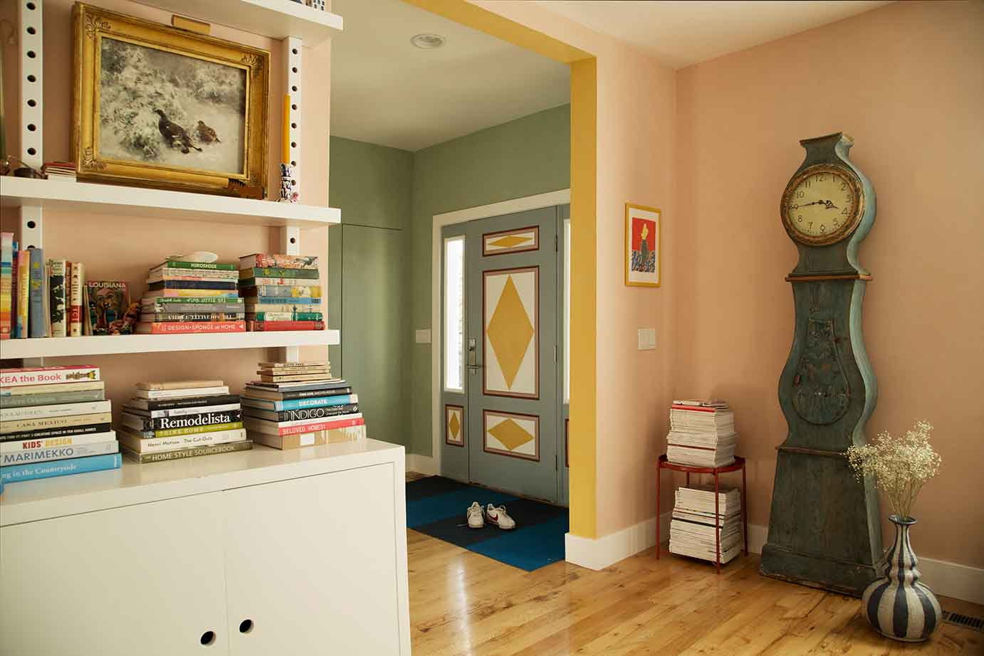 Livingroom and hallway in Pure & Original Fresco lime paint