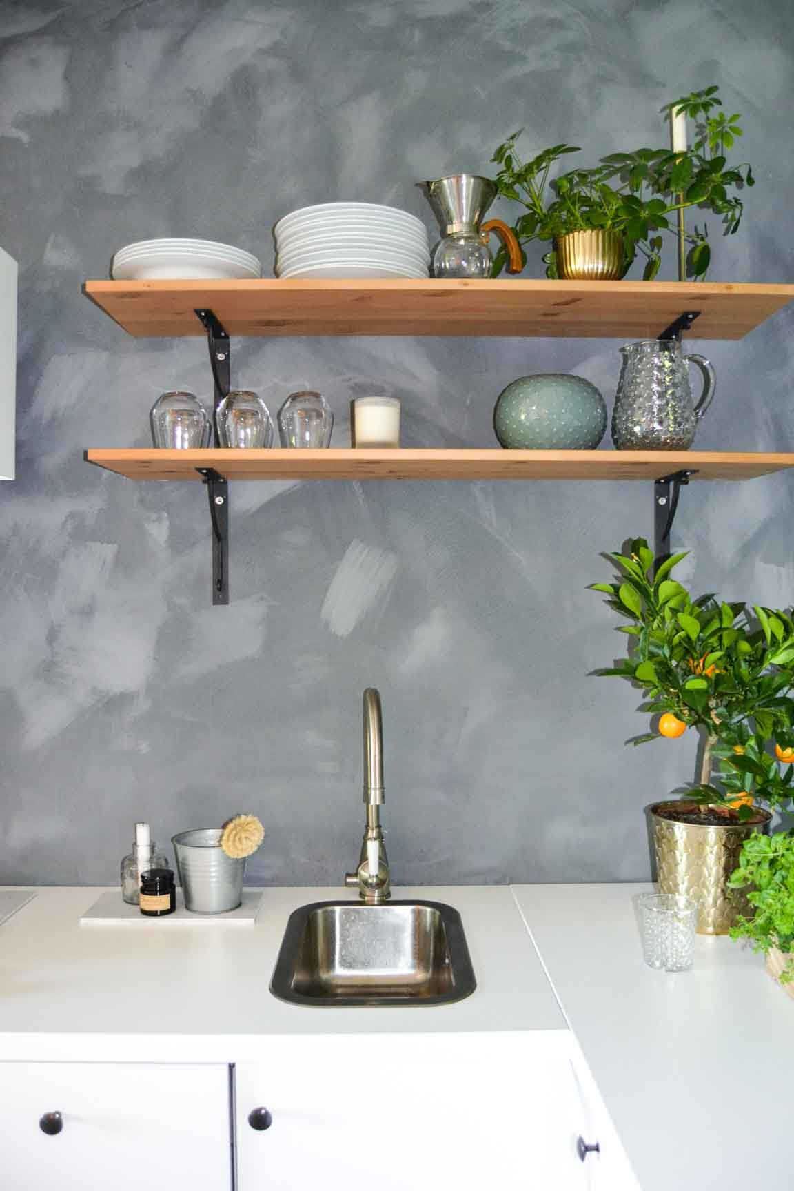Beautiful small kitchen with lime paint