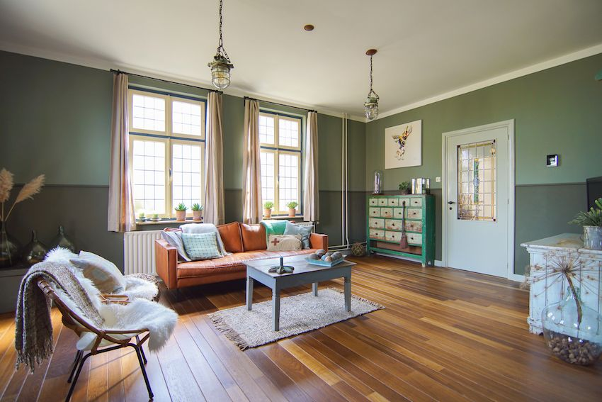 The living room in green and grey