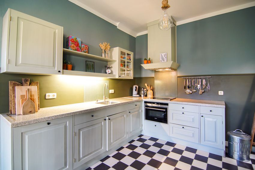 The kitchen in blue tones