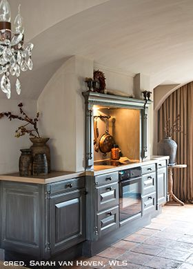 Fresco lime paint in the rustic kitchen