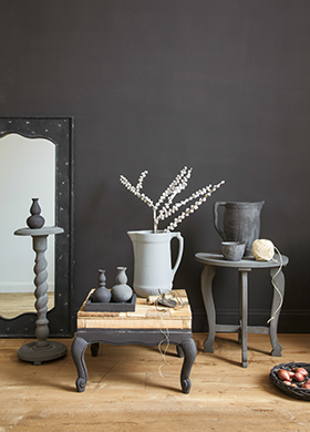 Classico chalk paint in the colour Black Truffle, applied in the living room