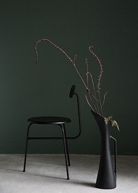 Classico chalk paint in the colour Dark Forest