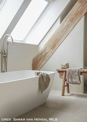 Classico chalk-based paint in the bathroom colour Mineral White