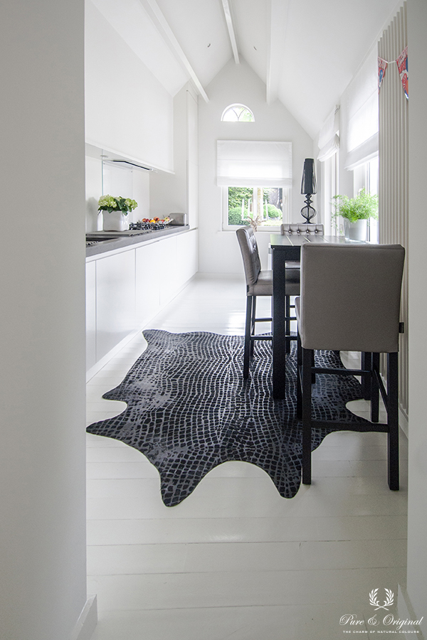 Floor Paint in the colour White, applied in the kitchen with dining